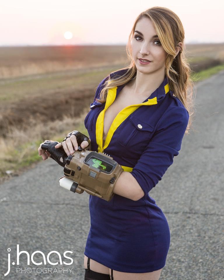 Helloiamkate's Overwatch cosplay