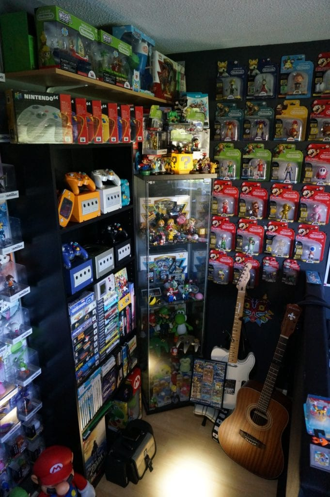 A look at @nintenbros64's gaming shelves