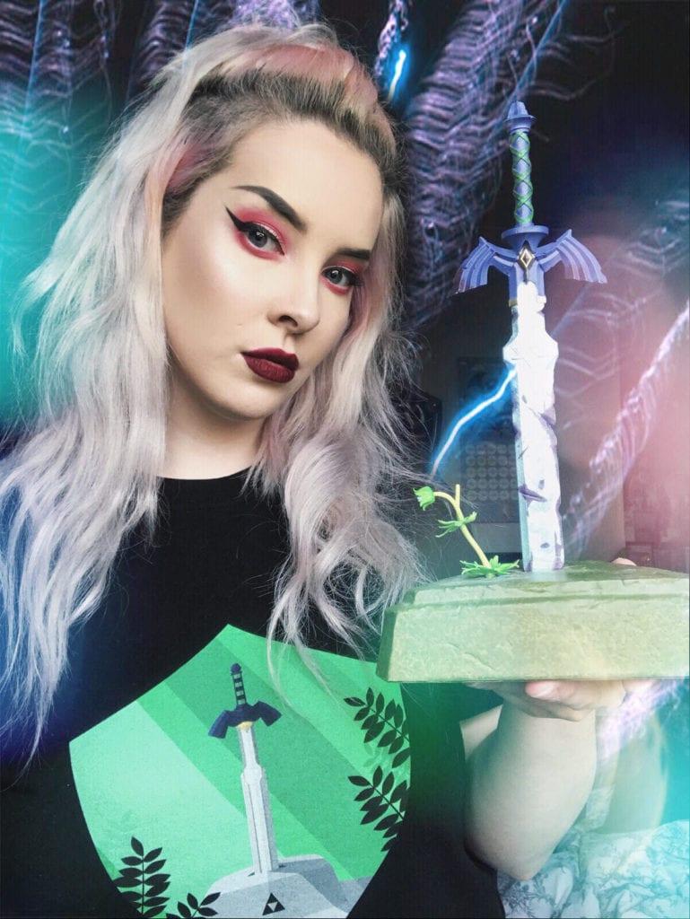 Sarah / PixellaCreations wielding the Master Sword!
