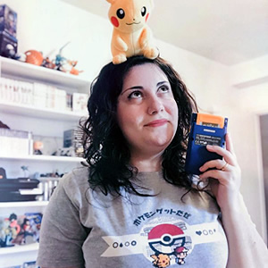 Adore this sweet shot of Trainer Jes @dragonxmew and her little Pikachu buddy!